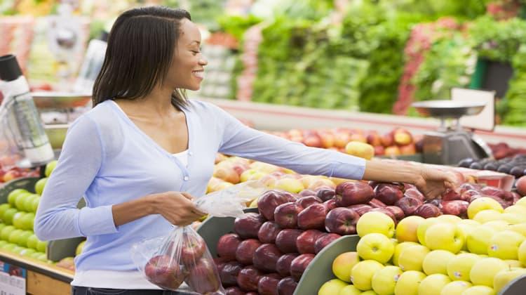 female instacart shopper